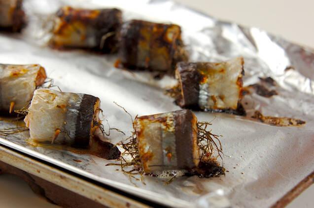 トースターで焼くだけ!サンマの梅風味ロールの作り方の手順2