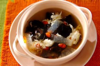 たっぷりキクラゲのスープ
