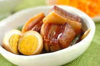 豚肉の黒砂糖煮