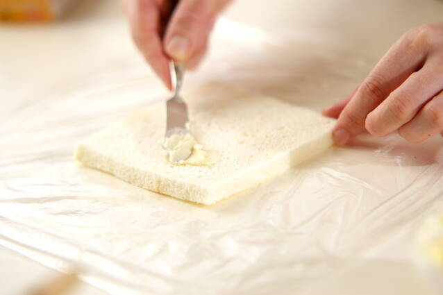 ロールサンドイッチの作り方の手順2