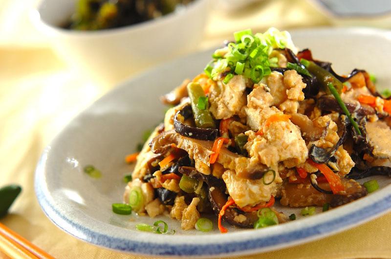 2.ふんわり卵の炒り豆腐