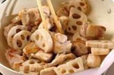 鶏とレンコンの甘辛炒めの作り方2