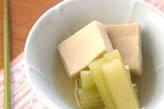 フキと高野豆腐の煮物
