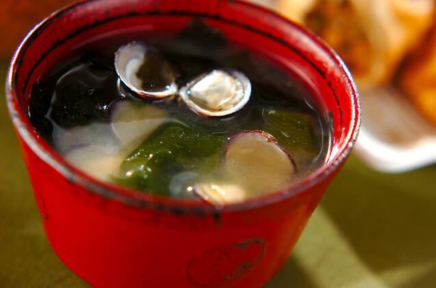 しじみとわかめの味噌汁
