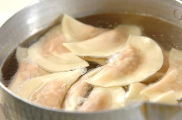 豚キムチ水餃子の作り方の手順4
