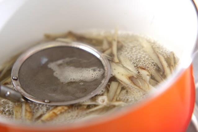 ゴボウの豆乳ゴマみそ汁の作り方の手順2