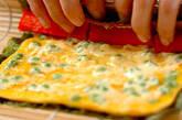 卵のカニカマ巻きの作り方3