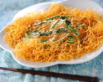 タイ風カレー皿うどん