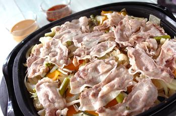 豚肉とたっぷり野菜の蒸し焼き