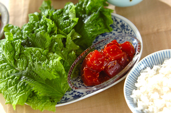 韓国マグロ寿司のサンチュ巻き
