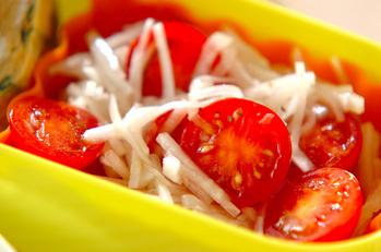 トマトと大根のシンプルサラダ