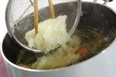 鶏団子のみぞれスープの作り方4