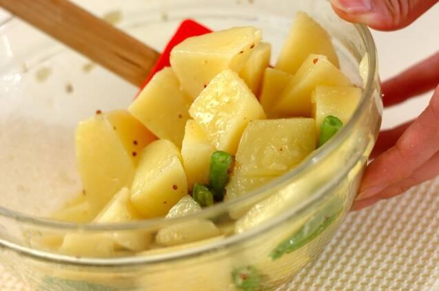 ジャガイモとバジルのサラダの作り方の手順4