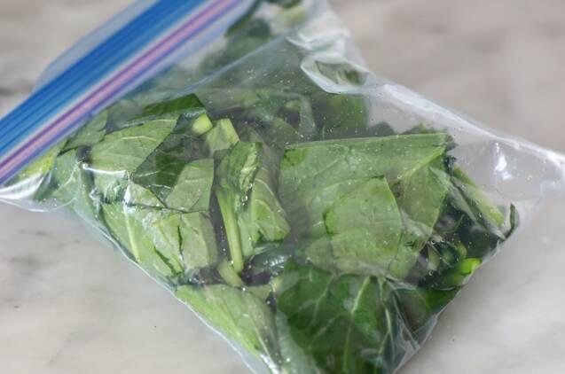 作り置きできる!小松菜の浅漬けの作り方の手順3
