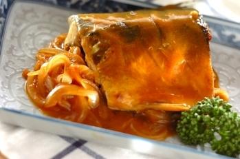 焼きサバのカレー煮
