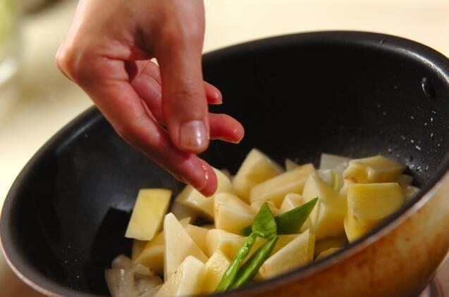 ジャガイモとコンビーフの炒め物の作り方の手順6