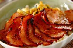 お箸がすすむ焼豚卵丼