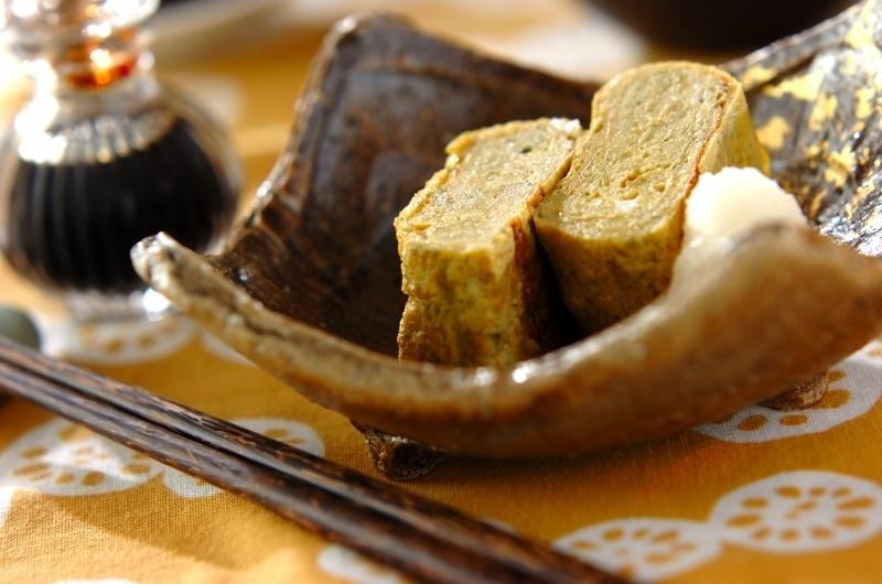 和食器に入った長芋と青のりのふんわり卵焼き