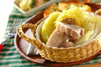 春キャベツと豚バラのトロトロ煮込み