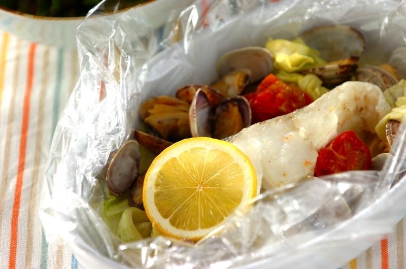 ローストバッグに入れられたタラやお野菜