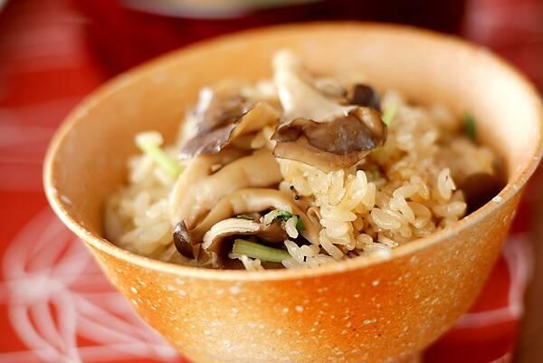 マイタケとジャコの味わい炊き込みご飯