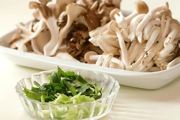 マイタケとジャコの味わい炊き込みご飯の作り方の手順1