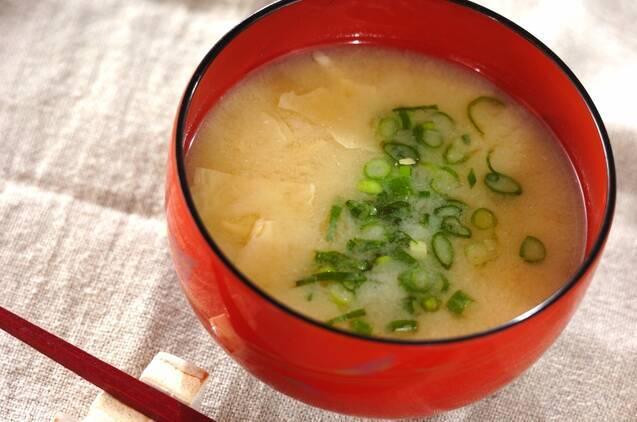 湯葉の白味噌汁