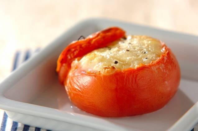 丸ごとトマトの卵詰チーズ焼き