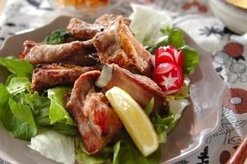 骨付き豚バラ肉の塩焼き