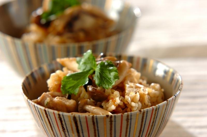 2.もち麦入りキノコの炊き込みご飯