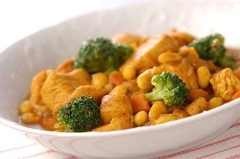 鶏肉と豆のカレー煮