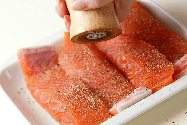 柑橘香る!秋鮭の和風ソテーの作り方の手順1