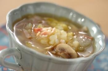 残り野菜とベーコンのスープ