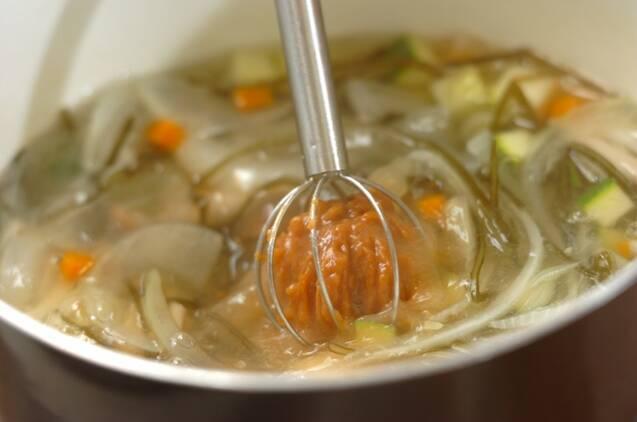 ニンジンと切り昆布のスープ煮の作り方の手順3