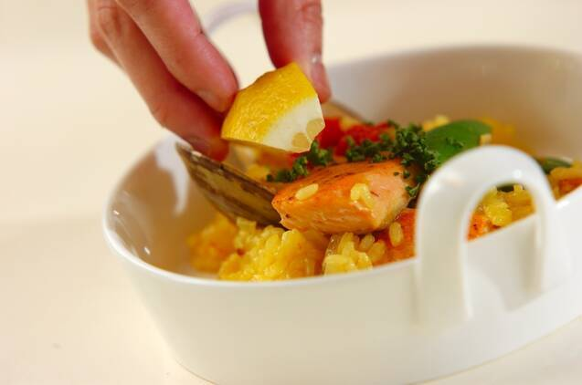 鮭とハマグリのフライパンパエリアの作り方の手順8