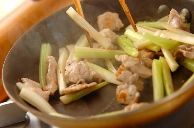 セロリの塩きんぴらの作り方の手順4