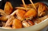 鶏手羽先ゴマまぶしの作り方3