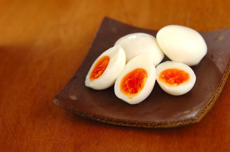 ゆで卵の塩麹漬け