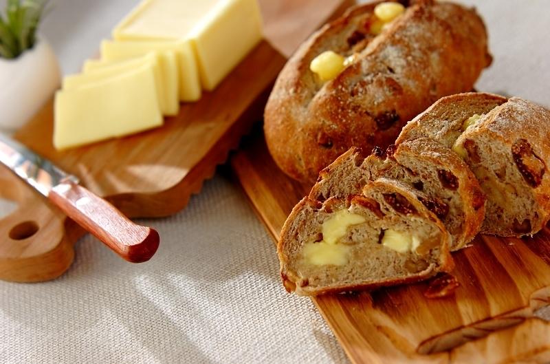 22. イチジクとチーズのライ麦パン