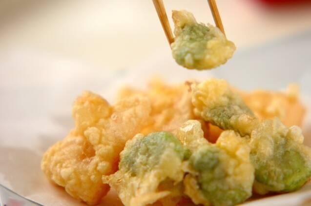 ソラ豆とタケノコの天ぷらの作り方の手順6