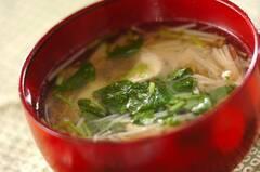 鶏ささ身とエノキのスープ