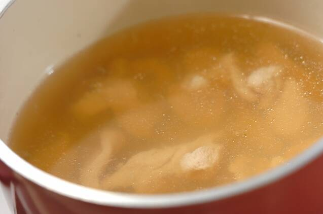 鶏ささ身とエノキのスープの作り方の手順3