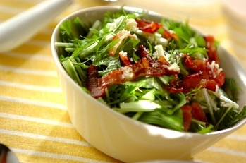 水菜とベーコンのサラダ
