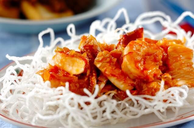 エビイカホタテの海鮮チリ炒め