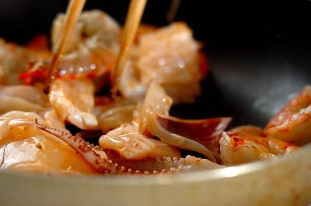 エビイカホタテの海鮮チリ炒めの作り方の手順4