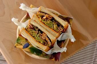 甘辛豚肉の韓国風ボリュームサンドイッチ