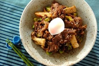 牛肉とアボカドのすき煮