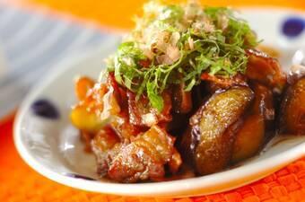 甘辛でご飯がすすむ!こってり豚バラ肉とナスの炒め物