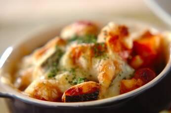 カボチャとソーセージのトマトチーズ焼き