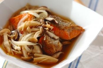 鮭といろいろキノコのメープル南蛮